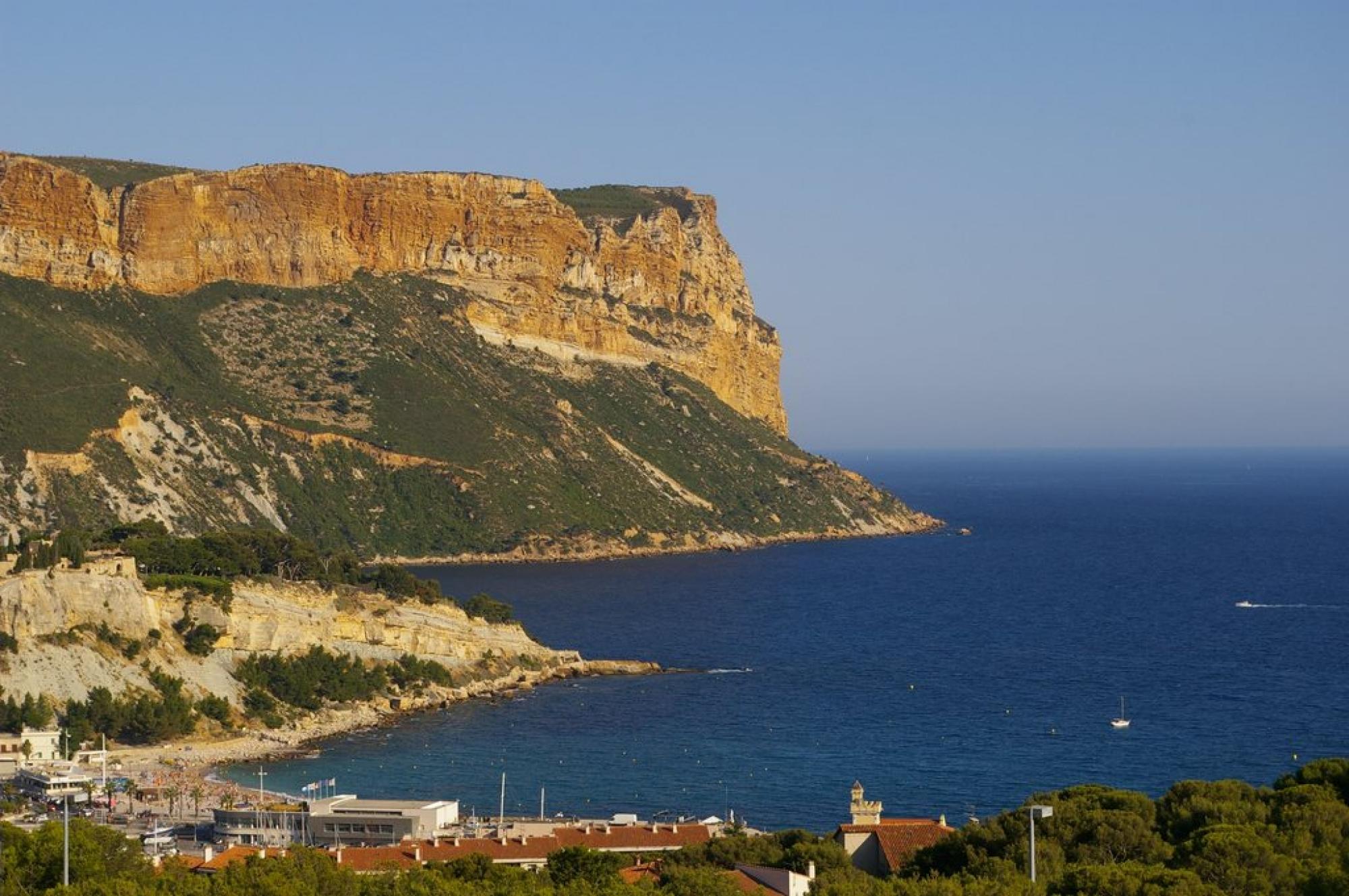 La plus haute falaise maritime d'Europe : le Cap Canaille à Cassis
