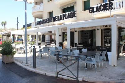 la brasserie de la plage pour une pause gourmande sur une. Black Bedroom Furniture Sets. Home Design Ideas